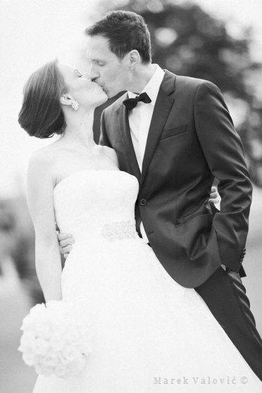 black and white wedding photography - Fine art
