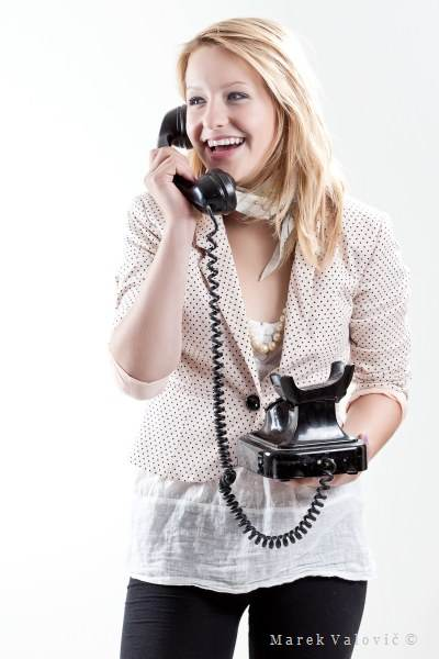 creative business portrat bratislava - girl with telephone