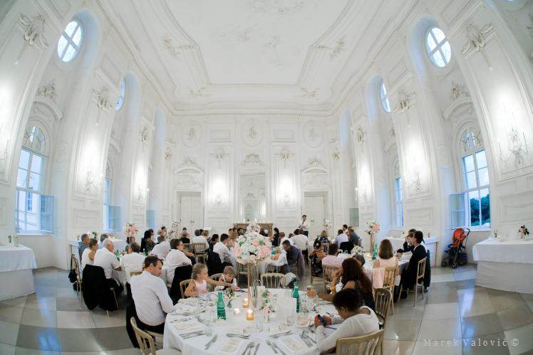 wedding at Schlosshof - dinner locality