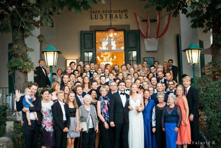 wedding group photo - Lusthaus Vienna