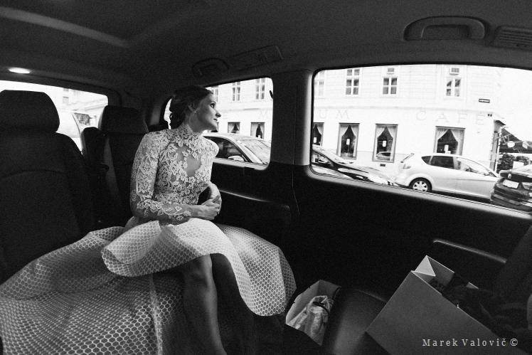 bride in the car watching Vienna streets