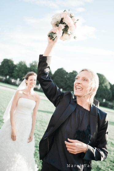 tossing bouquet planner hepls
