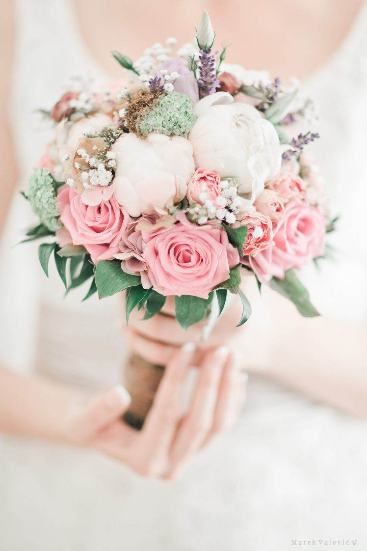 fantactic wedding bouquet pastel colors Slovak vintage wedding