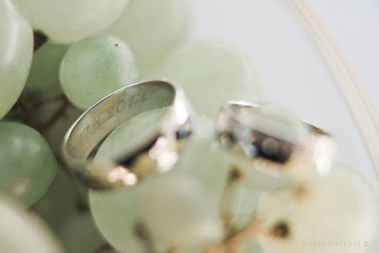 wedding rings with date
