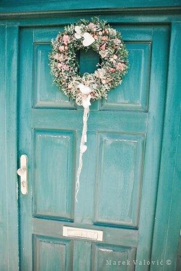 wedding vintage details - door decoration