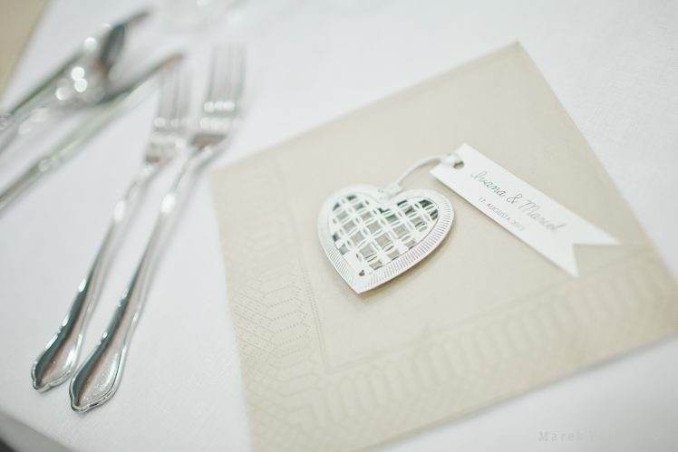 decoration on wedding table - heart shape