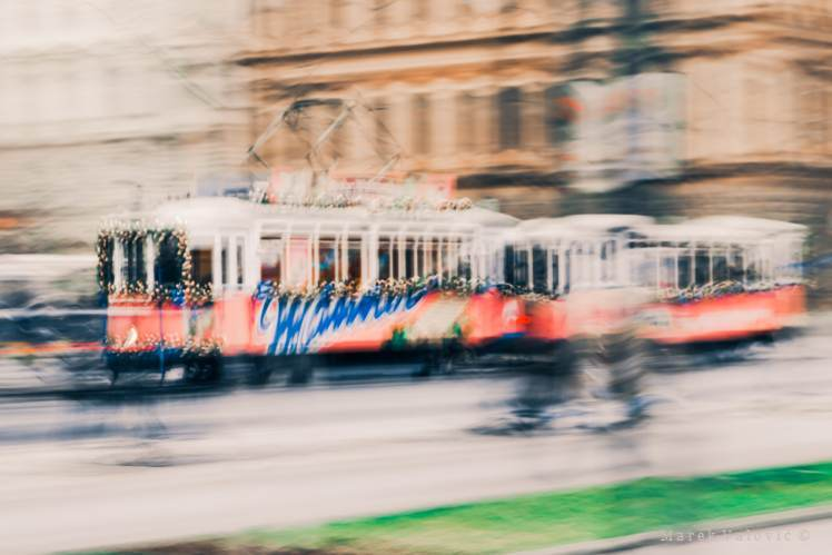 Poetical Reportage protography vienna | manner tram hire photographer