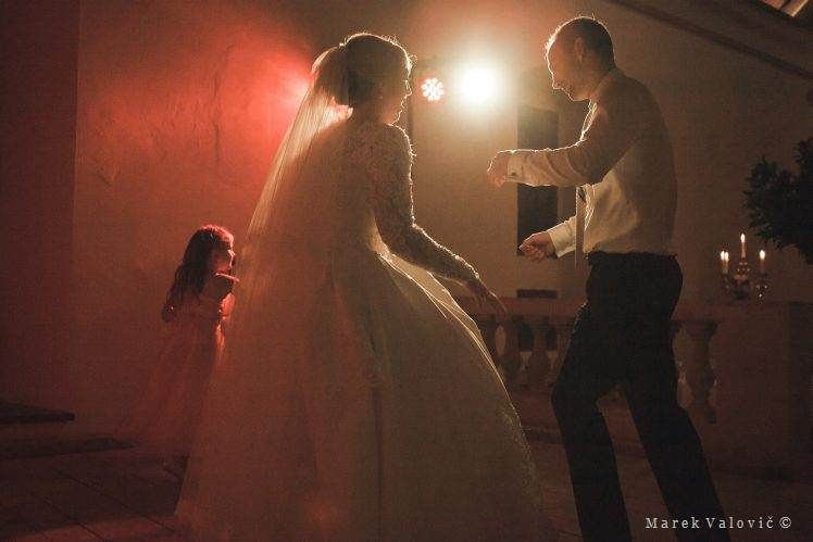 wedding dancing - art light