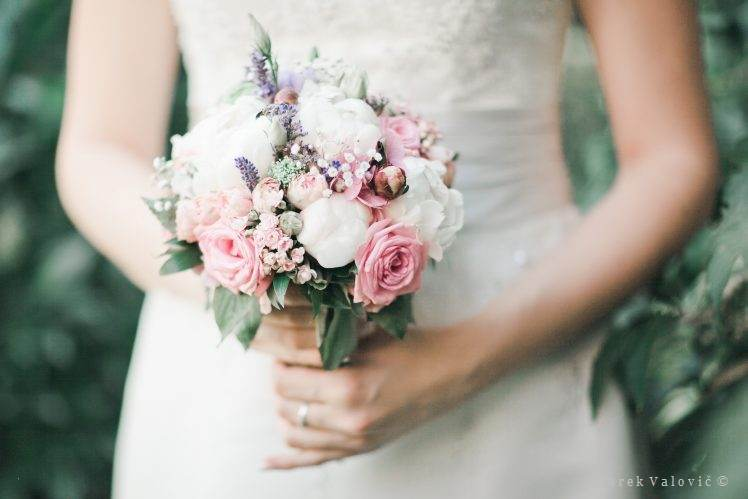 bouquet - white green pink - vintage style