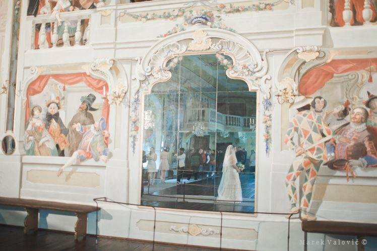 Cesky Krumlov Castle destination wedding Hall of mirrors