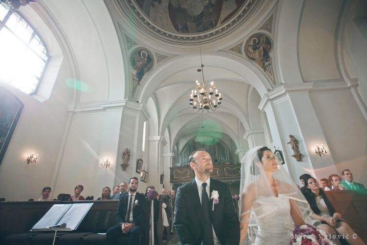 wedding locality Schloss Halbturn church