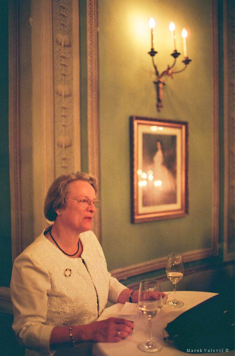 wedding speeches - Lusthaus interior - Kodak Portra 800