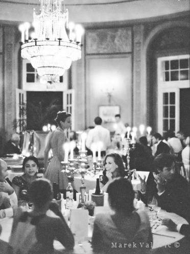 black and white wedding photo Vienna Lusthaus - Ilford Delta 3200
