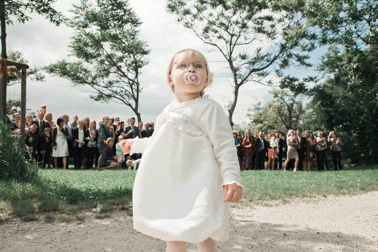 wedding group photo - child - Das Chadim Vienna