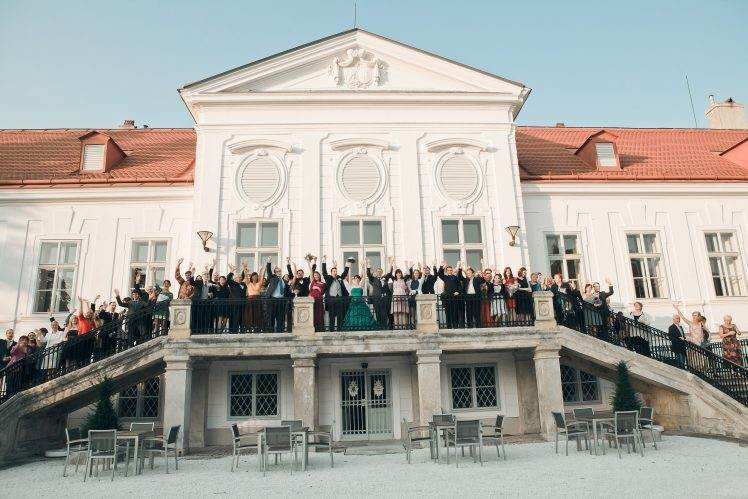 wedding group photo - Europahous Vienna