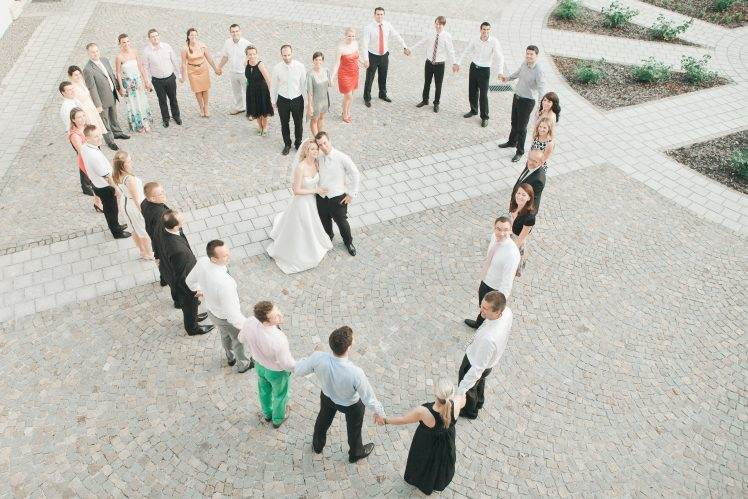 wedding group photo - shape of heart