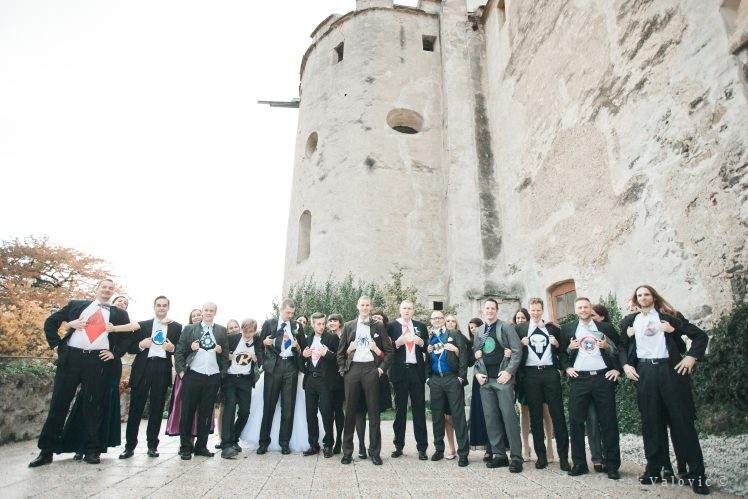 wedding group portrait - bestmen -Schloss Krumbach - Austria - Superman