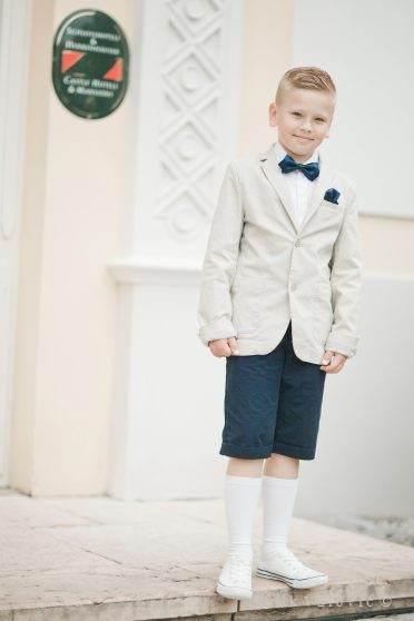 retro smart boy - wedding Chateau Bela