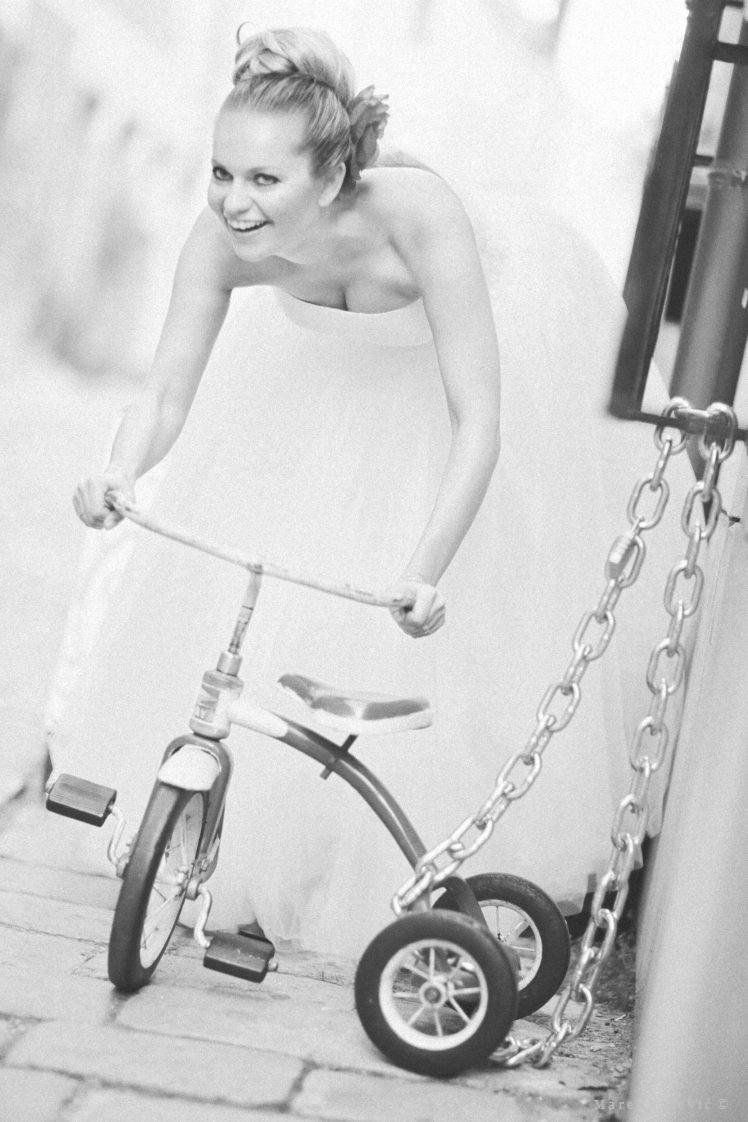 bride and tricycle