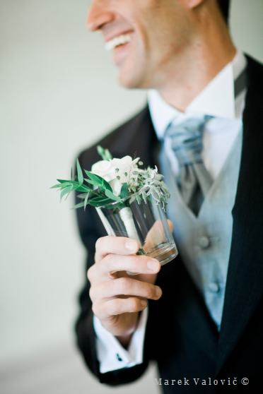 groom and flower