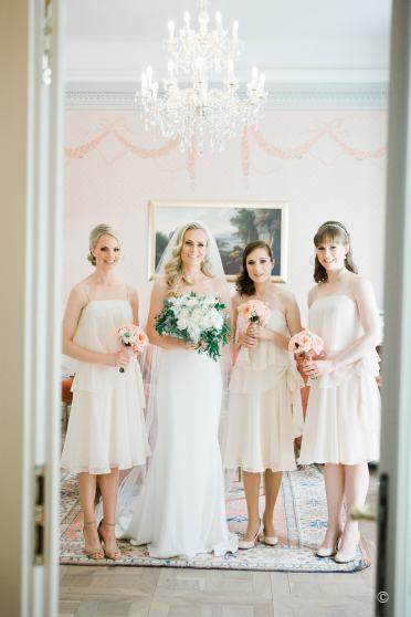 bride and firstmaids posing in Art hotel tomasov