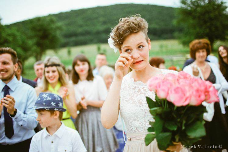 wedding emotions at Fuji Film PRO 400H - film photography