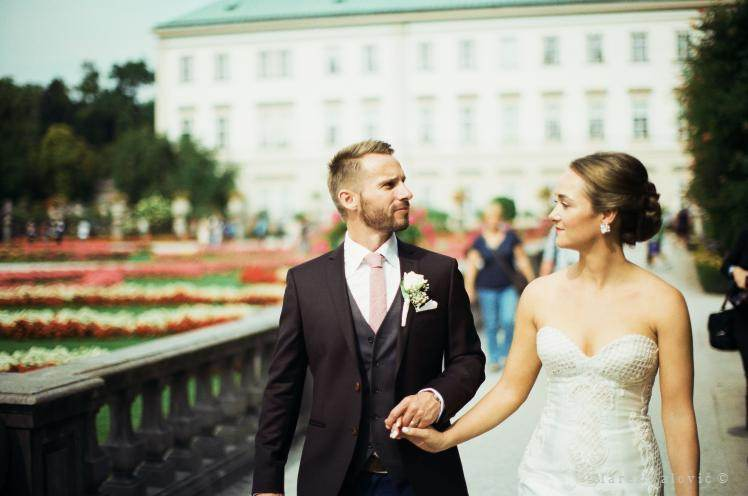 bride and groom in Mirabell Gardens - Fujifilm PRO400H