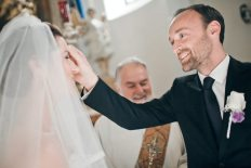 groom bless bride