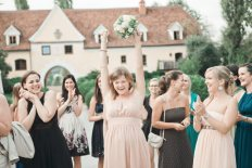 toss the bouquet