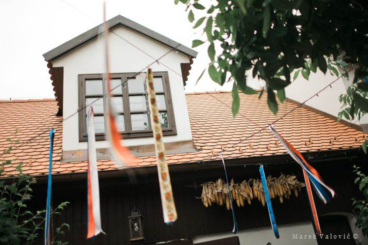 traditional wedding locality - ribbons decoration