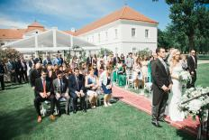 open blog Wedding Photo on Chateau Tomasov