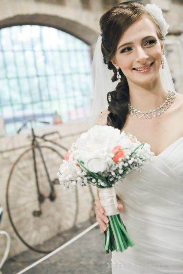 bride and vintage bicycle
