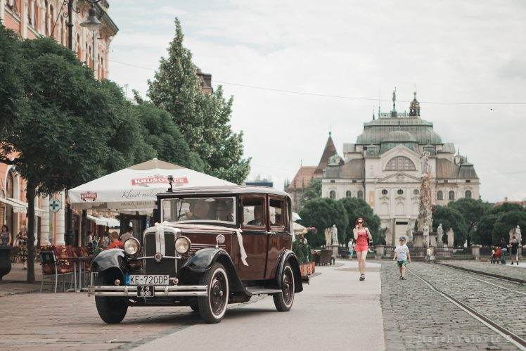 oldtimer wedding car